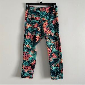 Old Navy Tropical Cropped High Waist Leggings